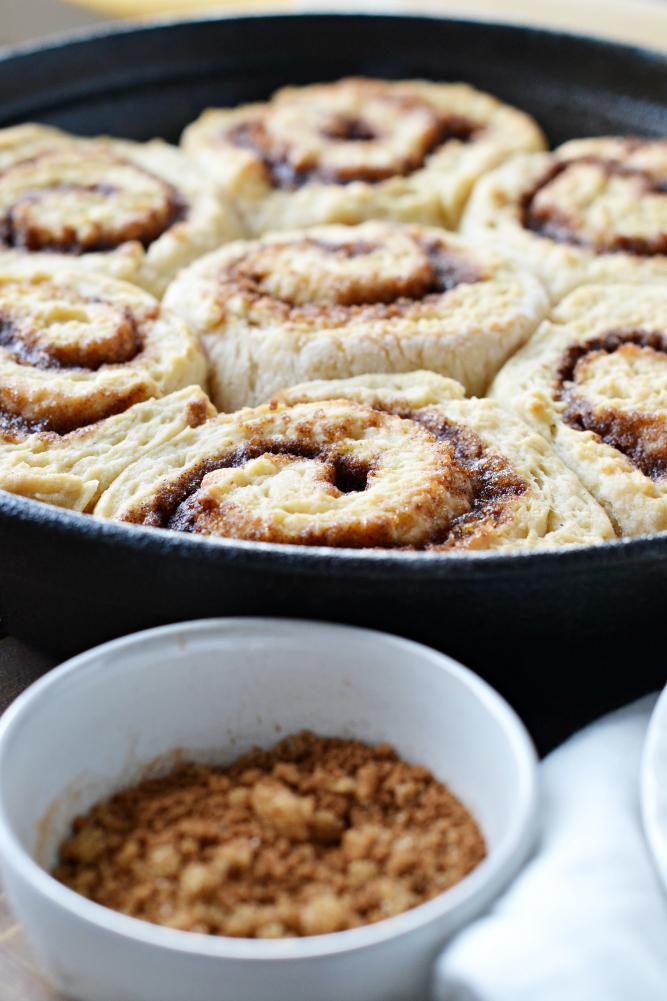 The Life of Jennifer Dawn: Easy Homemade Vegan Cinnamon Rolls