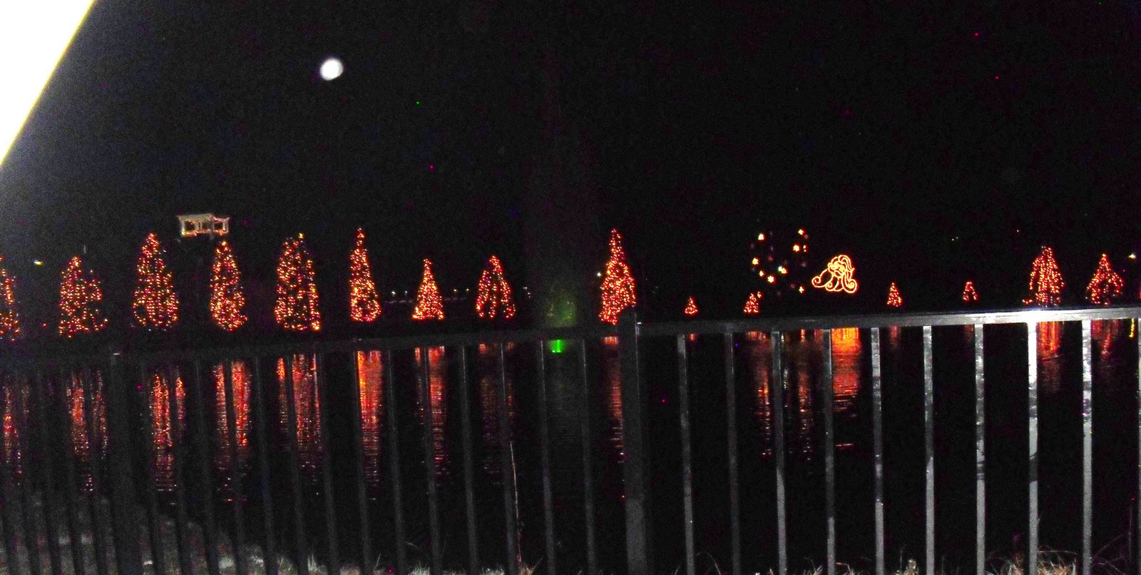 Mcadenville Christmas Lights.Travel Nc With Kids Mcadenville Nc See An Entire Town