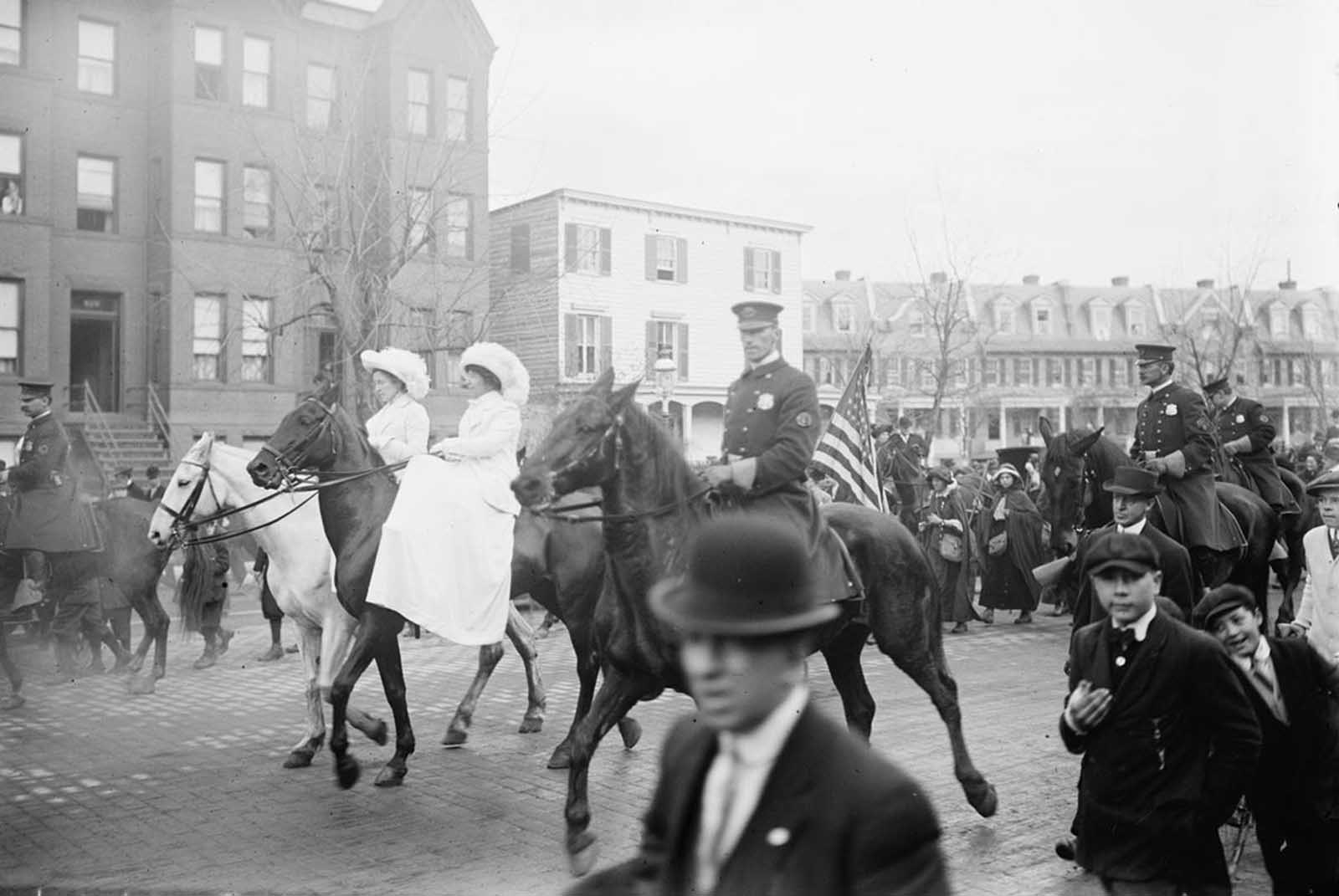 Women suffrage hikers arriving in Washington, District of Columbia, from New York, 1913.