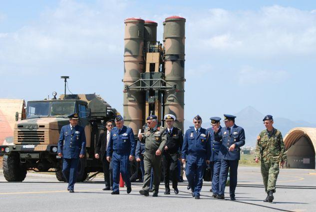 Κρίσιμες ώρες για το τρίγωνο Ρωσίας-Τουρκίας-ΗΠΑ μετά την παρέμβαση για τους S-400 – Τουρκικά πολεμικά πλοία στο λιμάνι της Οδησσού
