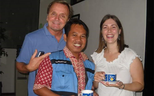 I am in the middle with Kevin Dalton (left) and Ms Hazel (right) from Australia. The photo taken at IALF Denpasar Balia around 2005