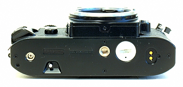 Nikon FG, Bottom