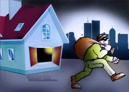 श्रावस्ती:बंद घर से जेवर-नकदी समेत लाखो की बड़ी चोरी को अंजाम देकर चोर हुए फरार।