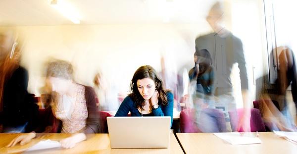 9 أساليب لتجاوز ضغوط العمل