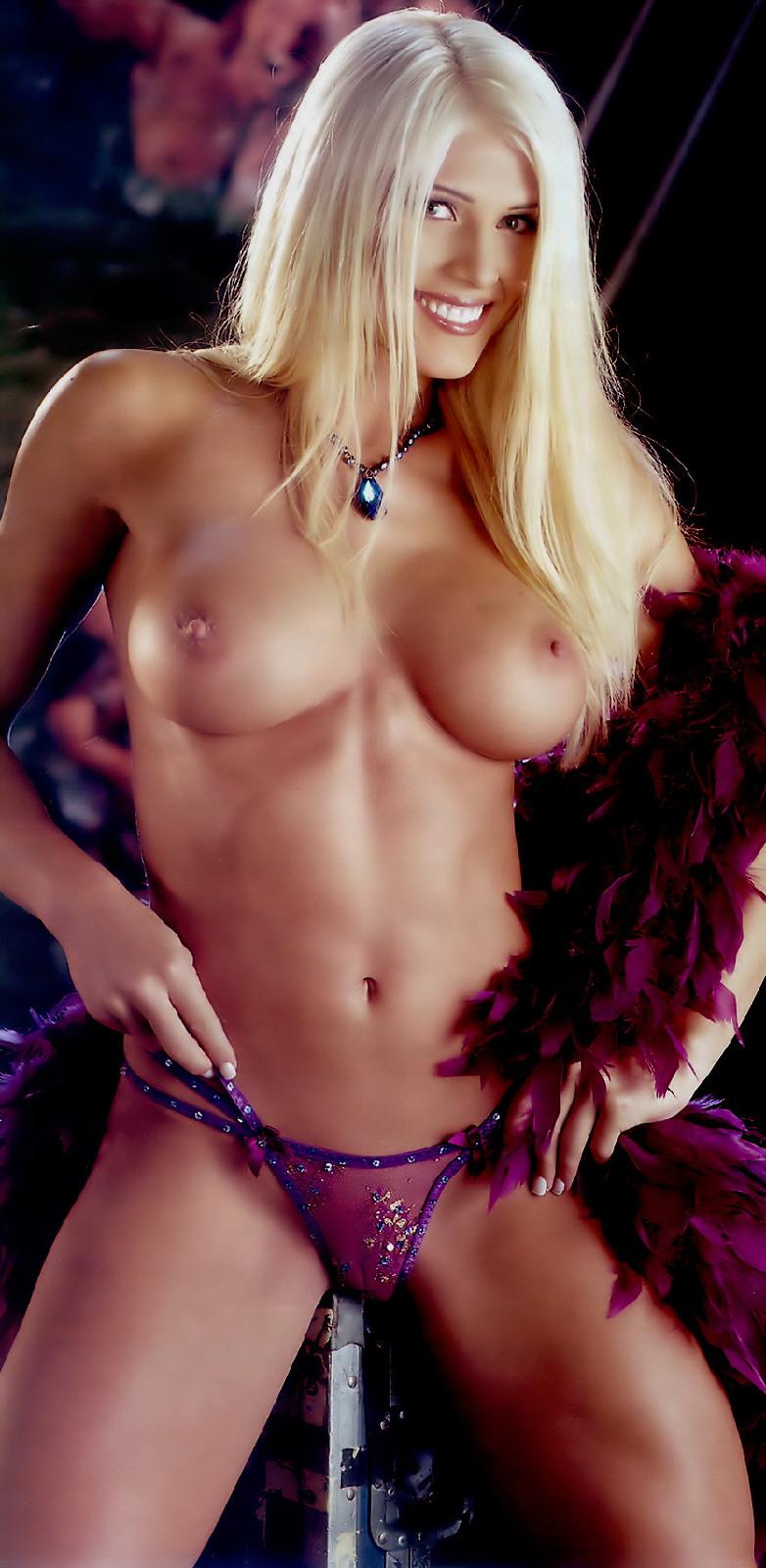 torrie wilson boobs