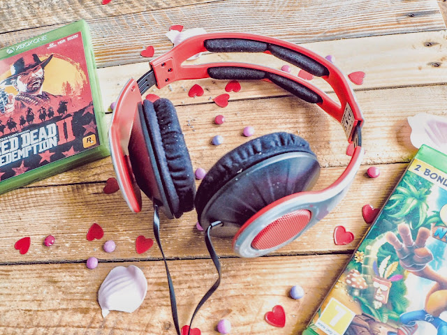 Thoughtful Valentine's gift - gaming headphones