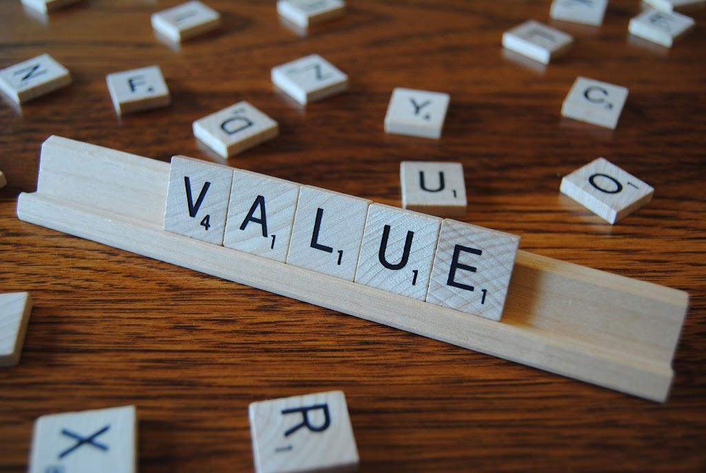 行銷課本教的「差異化」是錯的?LINE前CEO:使用者要的不是「不同」,而是「價值」!