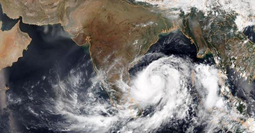 Poderoso Ciclón Fani toca tierra en la India y provoca la evacuación de un millón de personas