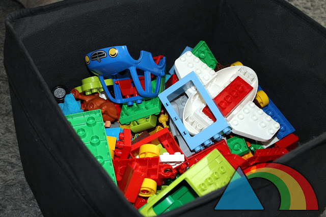Caja de almacenaje con piezas varias de Lego Duplo