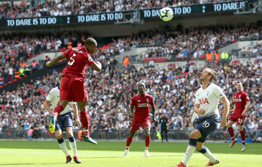 Gini-heads-the-ball