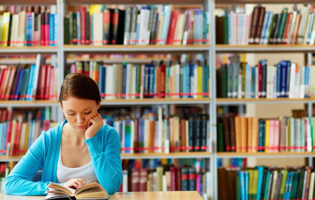 10 Manfaat Jika Anda Sering Membaca Buku