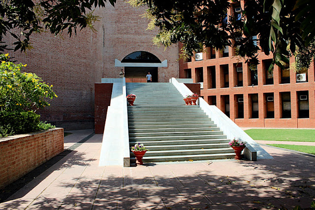 main entrance of IIMA