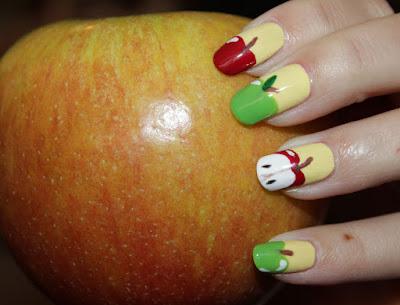 http://lacquediction.blogspot.de/2016/10/notd-apple-frischlackiertchallenge.html