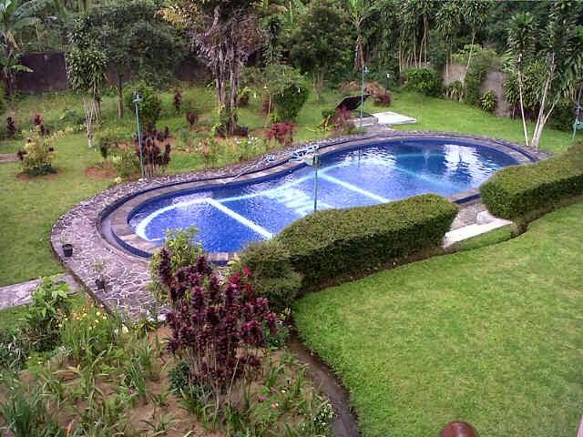 Halaman Luas Villa 0104
