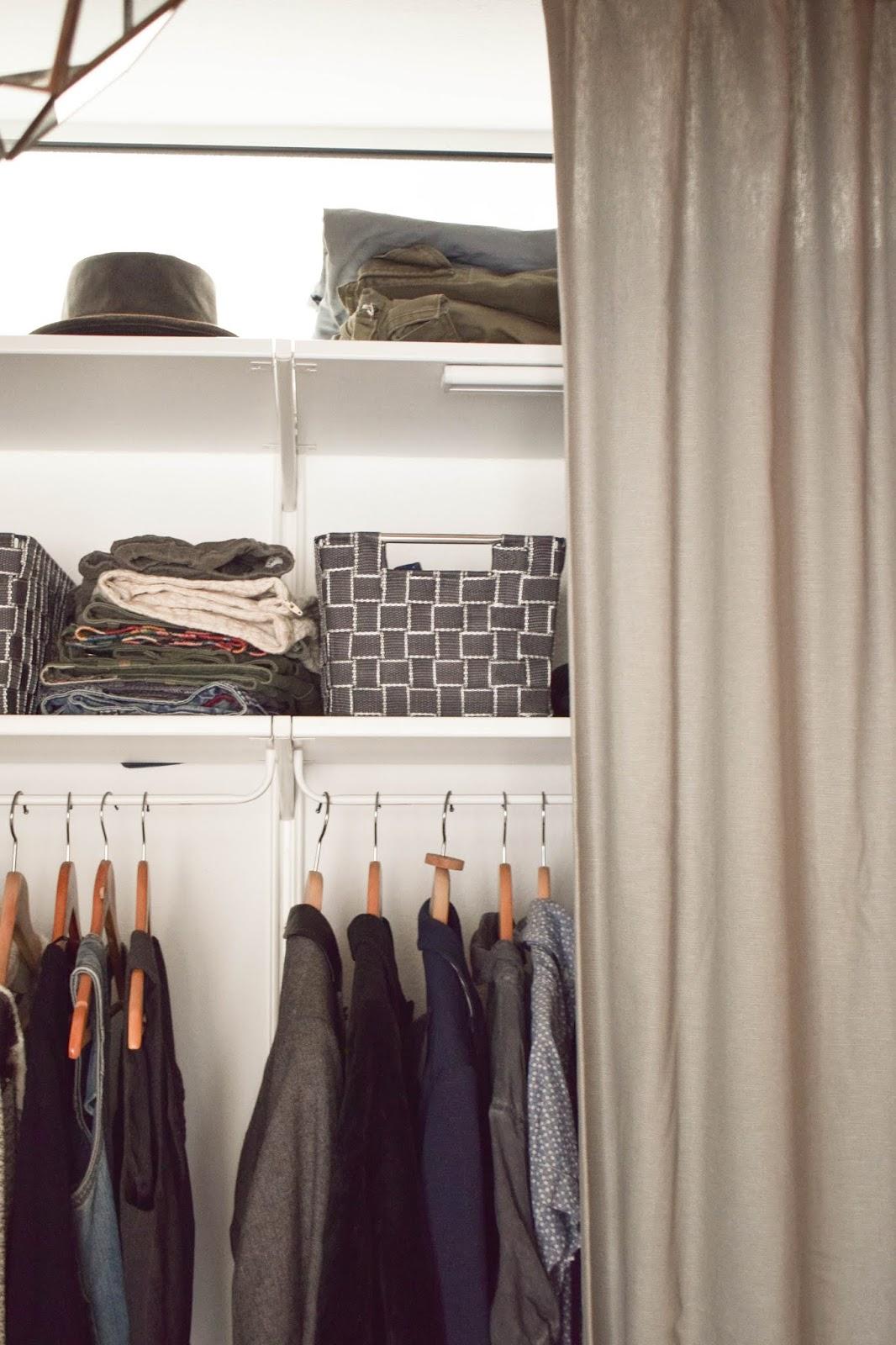 Flexible Aufbewahrung für Kleider mit Wenko Wäsche praktisch verstaut Kleiderschrank  Aufbewahrungskörbe von WENKO