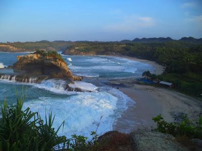 Pantai di Pacitan