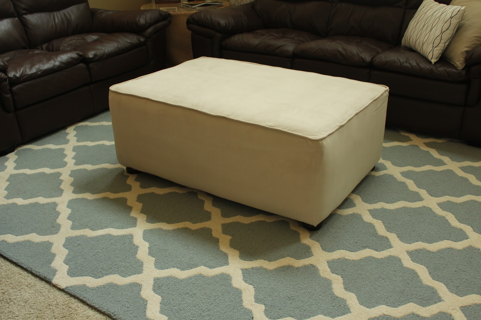 2nd Story Sewing: Coffee Table to Ottoman: A DIY Guide