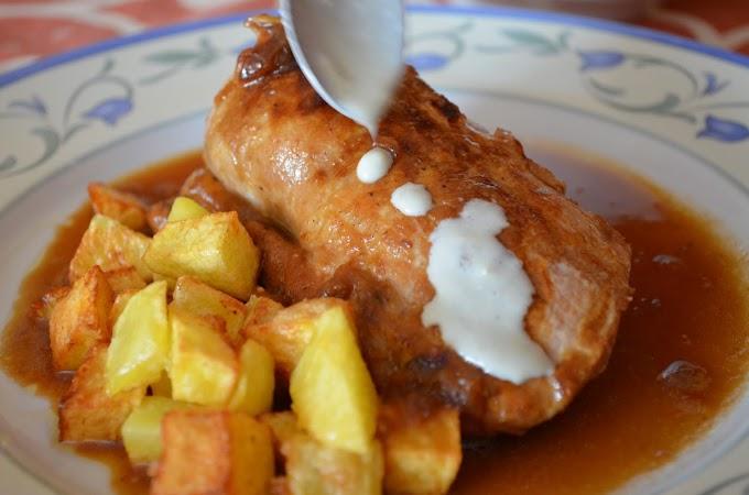 Solomillo de cerdo en su jugo con salsa Roquefort