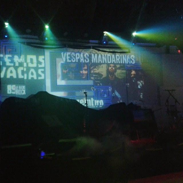 """Na """"Noite do Temos Vagas"""", Vespas Mandarinas fizeram último show de 2014"""