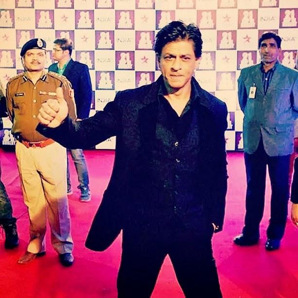 shahrukh , shahrukh ,khan iams rk , srk , a p pk i ada lat , bollywood , insta , baa d shah , king khan ,, Salman, Aamir, shahrukh Khan aap ki Adalat Pics