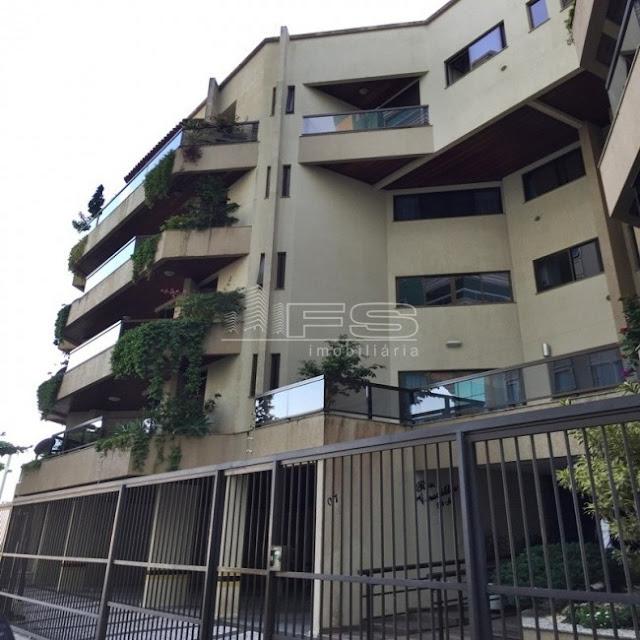 V2176 - Apartamento 4 dormitórios sendo 2 suítes - Lateral ao Mar - Meia Praia - Itapema/SC