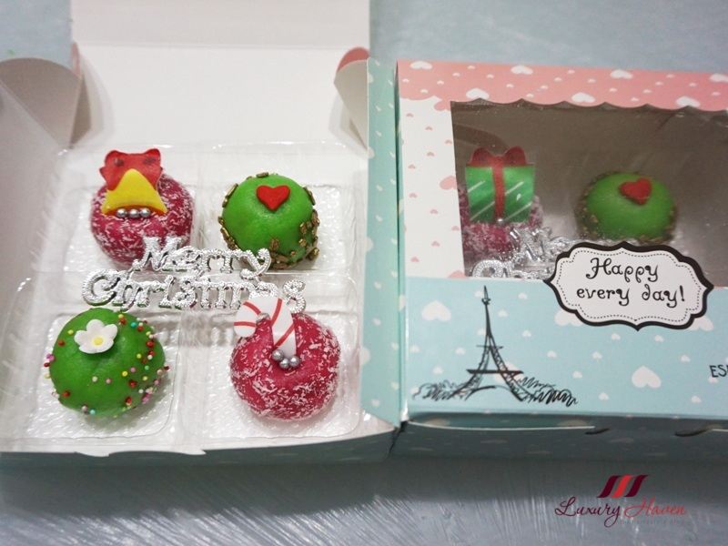 beautiful christmas plastic cake toppers