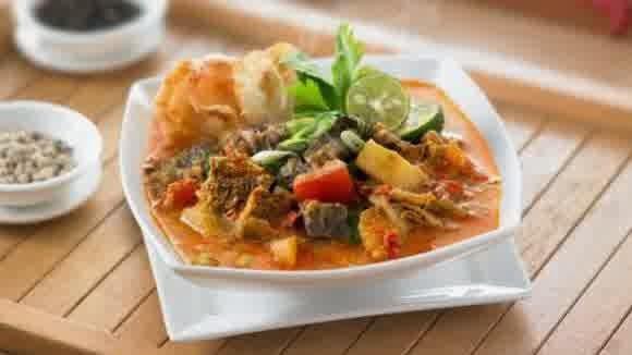 Hampir semua pecinta kuliner tentu sudah akrab dengan rasa lezat masakan khas masyarakat  Resep Soto Betawi Dengan Tambahan Susu