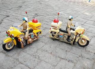 Mainan anak JADOEL Motor-motoran polisi