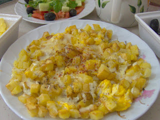Potatoes With Eggs (Patatesli Yumurta)