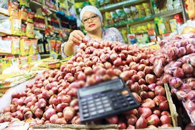Ambon, Malukupost.com - Terjadinya lonjakan tajam harga bawang, baik merah maupun putih meresahkan warga Piru, ibu kota kabupaten Seram Bagian Barat (SBB) pada dua pekan terakhir ini.