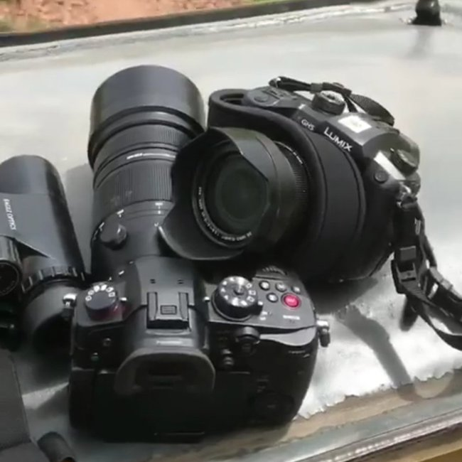Изображение двух камер Panasonic