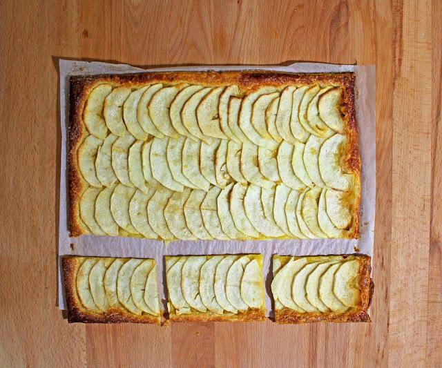 ταρτα μηλου με σφολιατα / apple tart with pastry puff