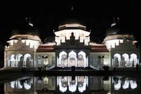 10 Mesjid Yang Termegah Di Indonesia yang akan membuat Wisatawan Kagum
