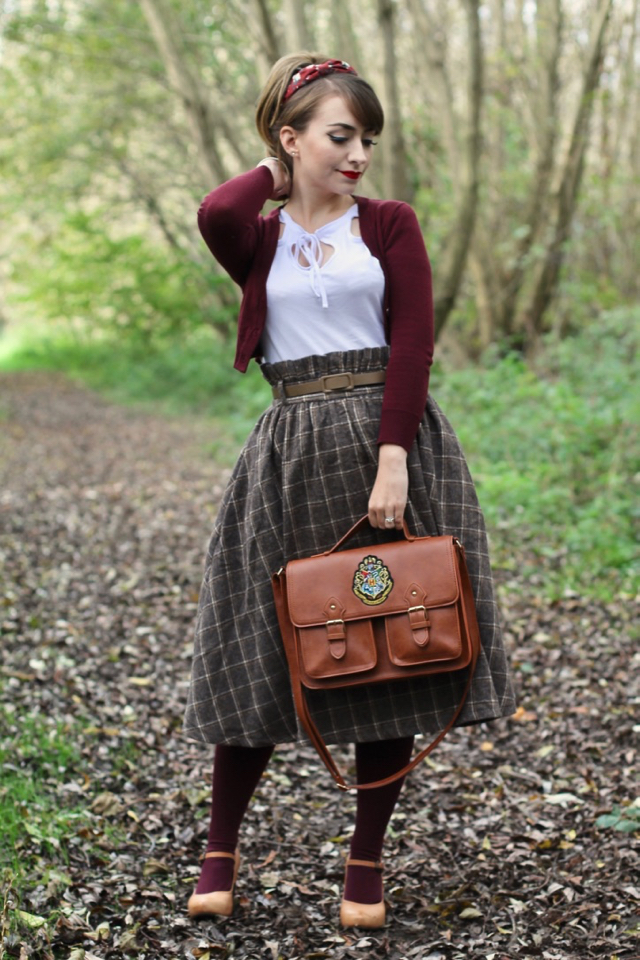 Mally taupe check swing skirt by Lindy Bop with Tess top review in autumn vintage outfit