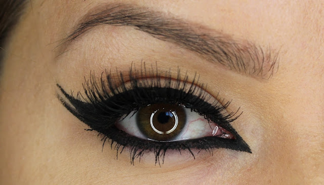 THE COMMON EYELINER TRICK THAT CAN RUIN YOUR EYES