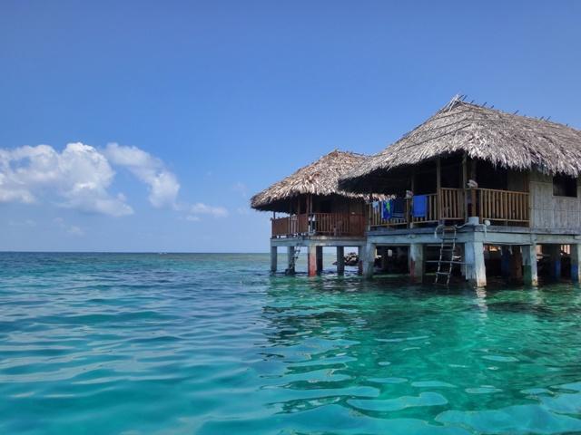 Cabaña sobre el mar en San Blas Guna Yala