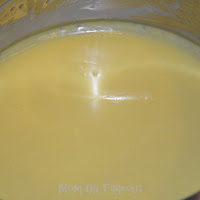 hollandaise sauce in double boiler