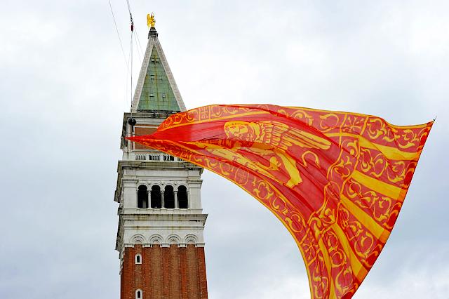 9 věcí, které chcete vědět o benátském karnevalu 2018, benátky průvodce, kam v benátkách, co vidět v benátkách, benátky památky, benátky historie, jak se najíst v benátkách, kde se najíst v benátkách, co ochutnat v benátkách, kam v benátkách na víno, kam v benátkách na aperol spritz, zažijte benátky jako místní
