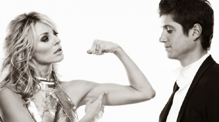 Mujer contra hombre