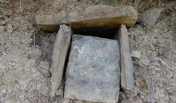 Σοκ! Ανακάλυψαν τάφο ενώ έπαιζαν... μπάσκετ!