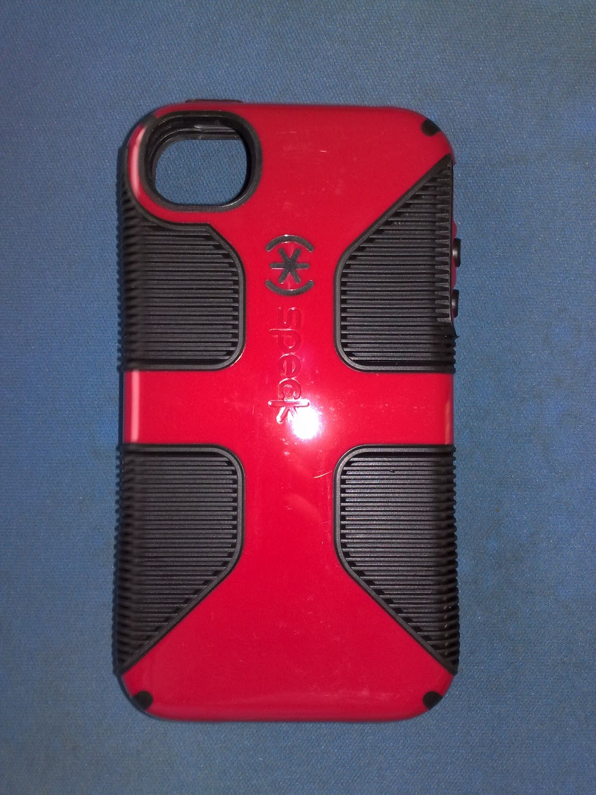 100% authentic 4e495 a6ac4 Review: Speck CandyShell Grip For iPhone 4/4S | Keyables