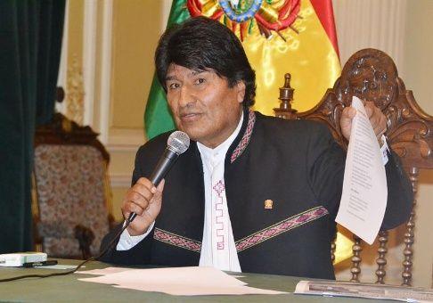 Evo Morales insta a Trump a tomar en cuenta llamado del papa