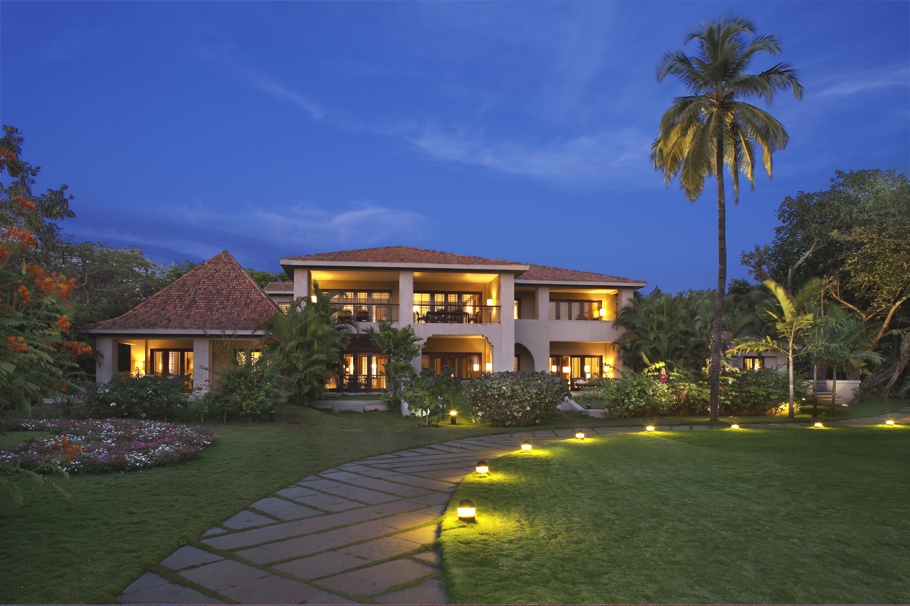 Passion for luxury the leela goa india for Hotel luxury quan 6
