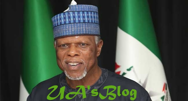 Customs CG Humiliates, Lectures Senators On Etiquette