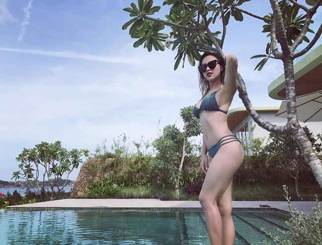 DJ Tít khoe thân hình sexy đến nghẹt thở đầu hè - Ảnh 16