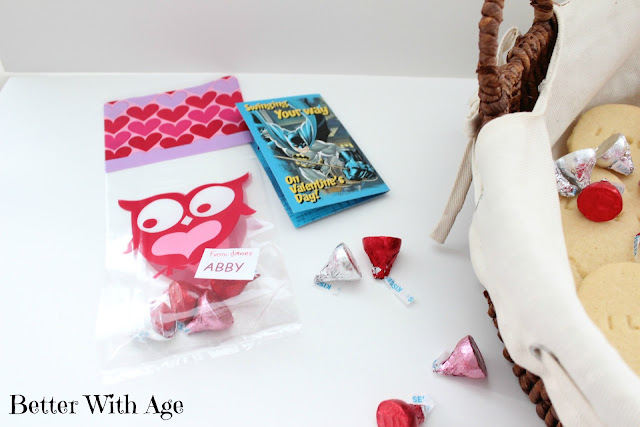 Valentine's day cookies www.somuchbetterwithage.com