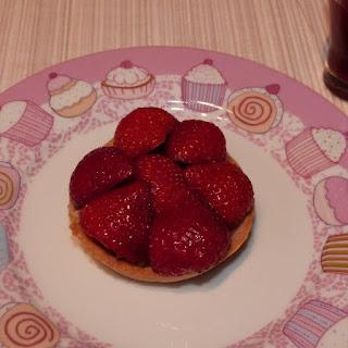 https://danslacuisinedhilary.blogspot.com/2012/07/tarte-fraise-rhubarbe-inspiree-de.html