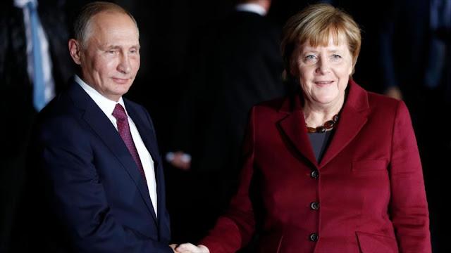 Merkel insiste en mantener buenas relaciones con Rusia