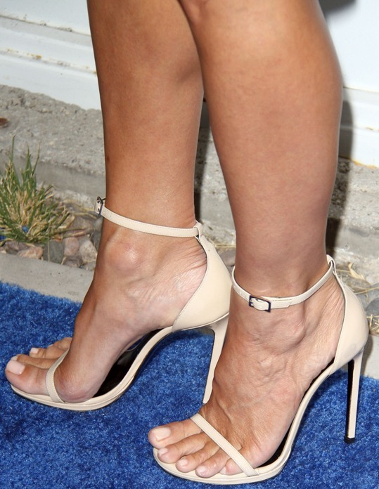 Sexy Feet In Heels Pics