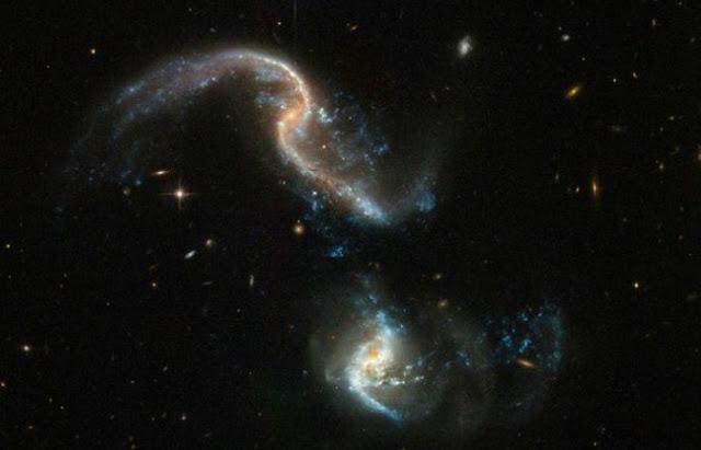 Teleskop NASA Abadikan Momemt Tabrakan Dua Galaksi